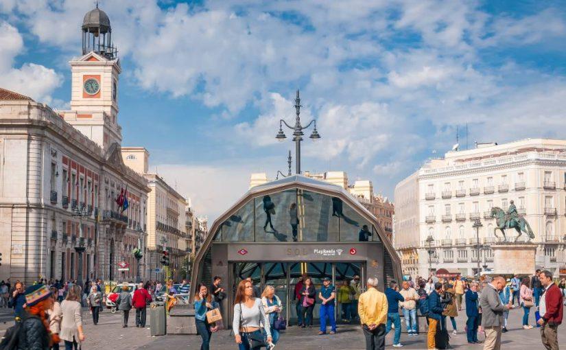 """Los estafadores """"robaron 8 millones de euros"""" a los turistas en 2018, mientras que ESPAÑA se encuentra entre los países """"más afectados""""."""